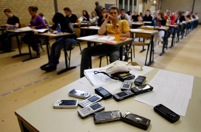 Frans lagerhuis voor telefoonverbod scholieren