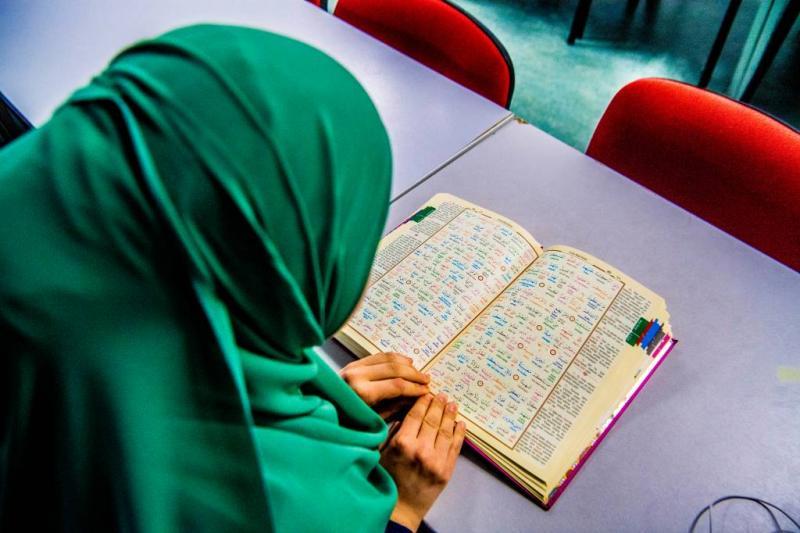 Moslims in Nederland steeds religieuzer