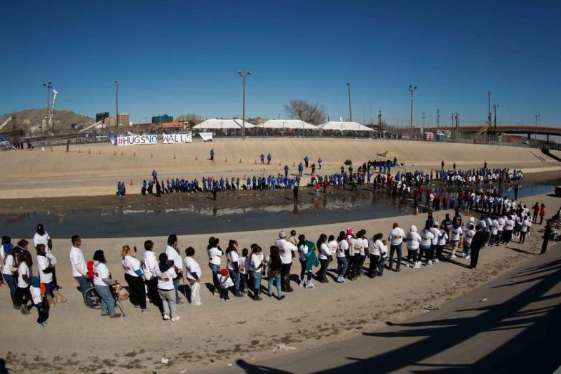 VS sturen immigranten naar gevangenissen