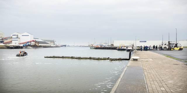 Extra oliebestrijdingsmateriaal Caribisch Nederland (Foto: Rijkswaterstaat)