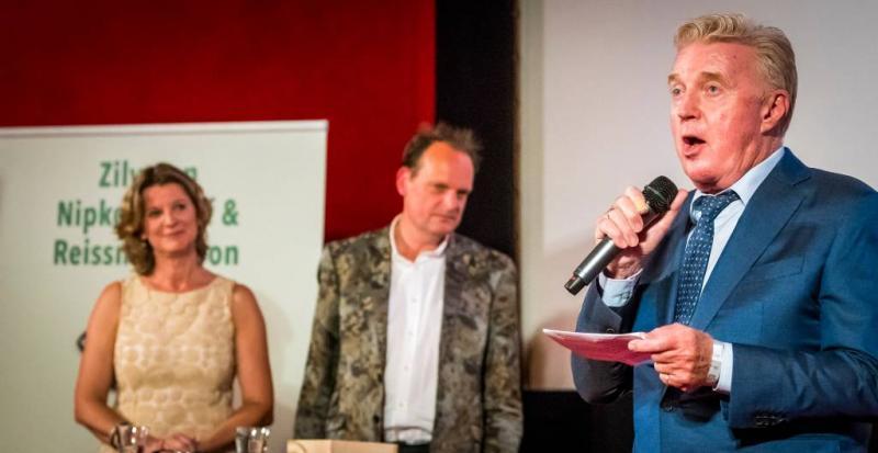 Politie Rotterdam feliciteert André van Duin