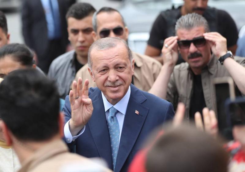 Erdogan leidt na telling eerste stemmen