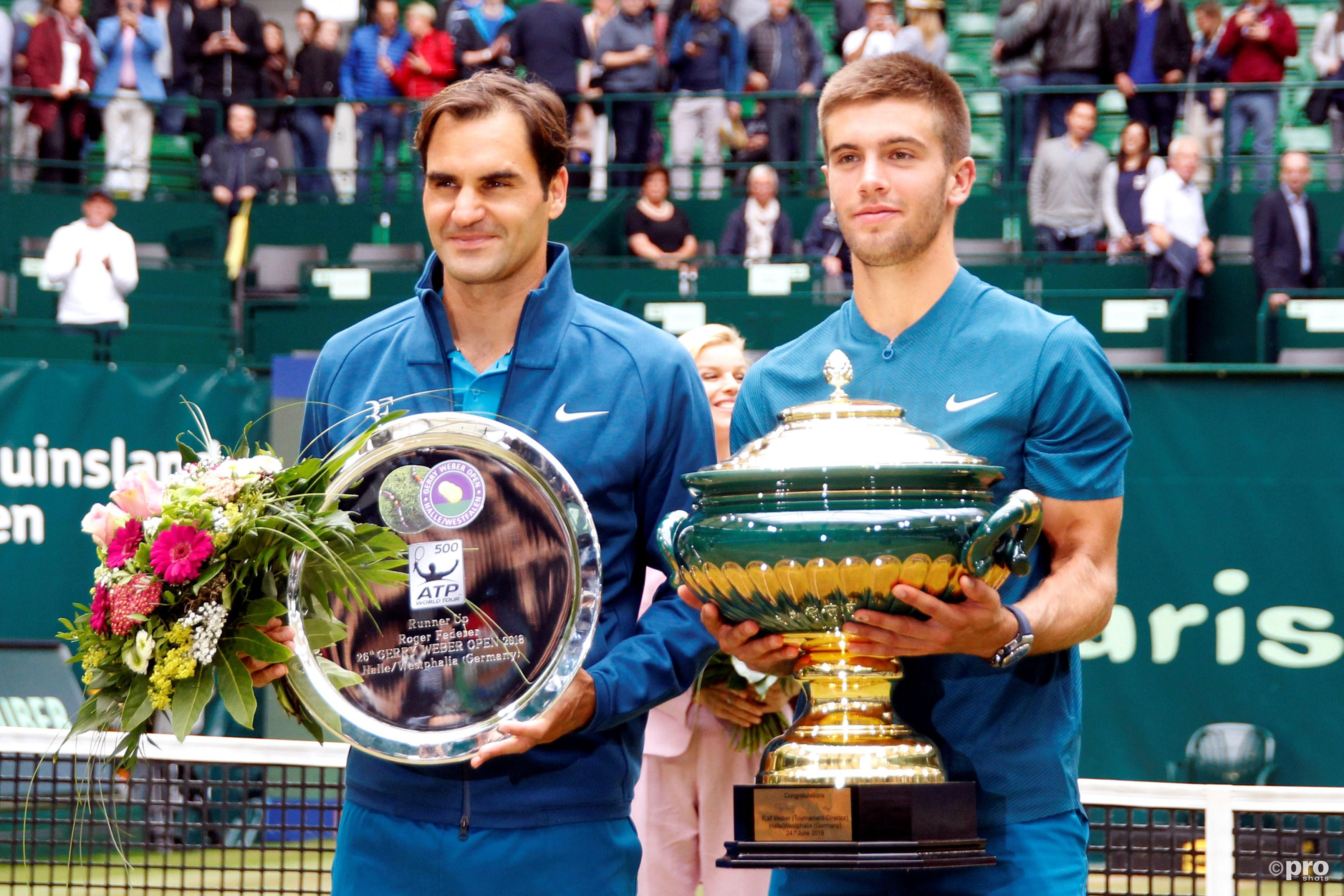 Coric verslaat Federer in de finale van Halle. (PRO SHOTS/Action Images)