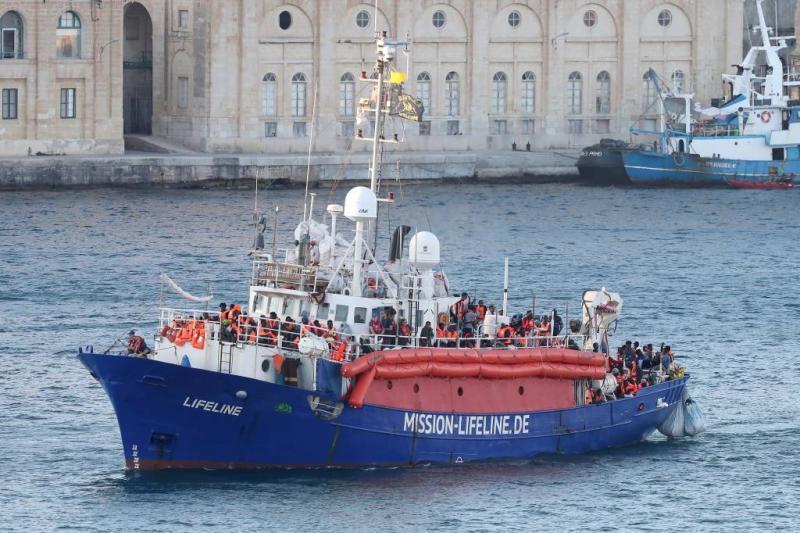 Kapitein Lifeline vervolgd om vlag kwestie