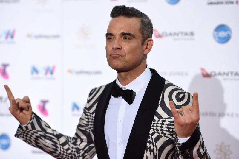 Robbie Williams en Ed Sheeran zingen 'Angels'