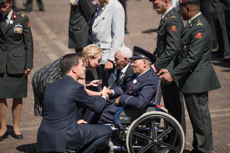 Dankbaarheid op zonovergoten Veteranendag (Foto: Ministerie van Defensie)