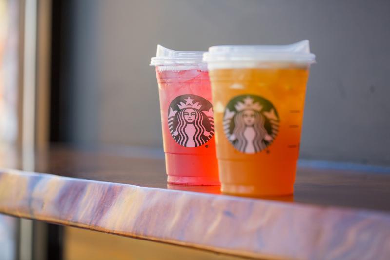 Starbucks stopt met plastic rietjes (Foto: Starbucks)