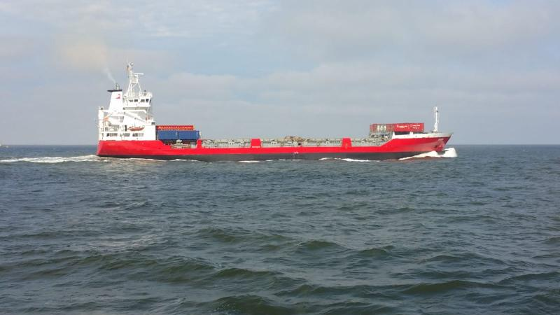 Interpretatie zit midden op zee, en kwam een mooi bootje tegen  (Foto: interpretatie)