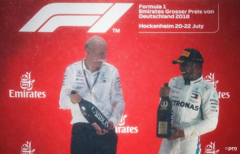 Hamilton behoudt overwinning na bezoek aan stewards (Pro Shots / Action Images)