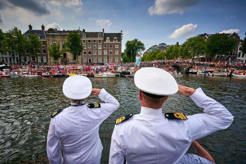 Defensie warm onthaald bij Canal Parade (Foto: Defensie.nl)