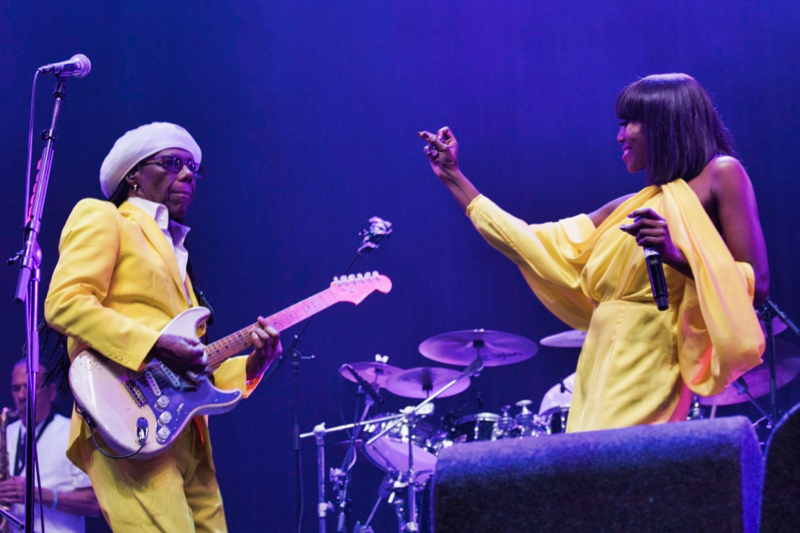 Nile Rodgers en Chic op Lowlands 2018 (Foto: Peter Breuls)