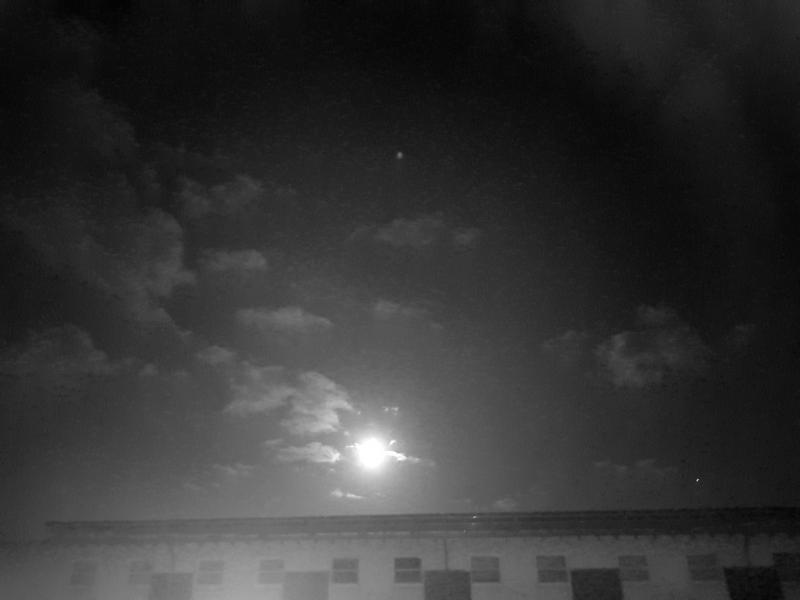 Spylacopa_68 spotte een volle maan boven Kempen (Foto: Spylacopa_68)