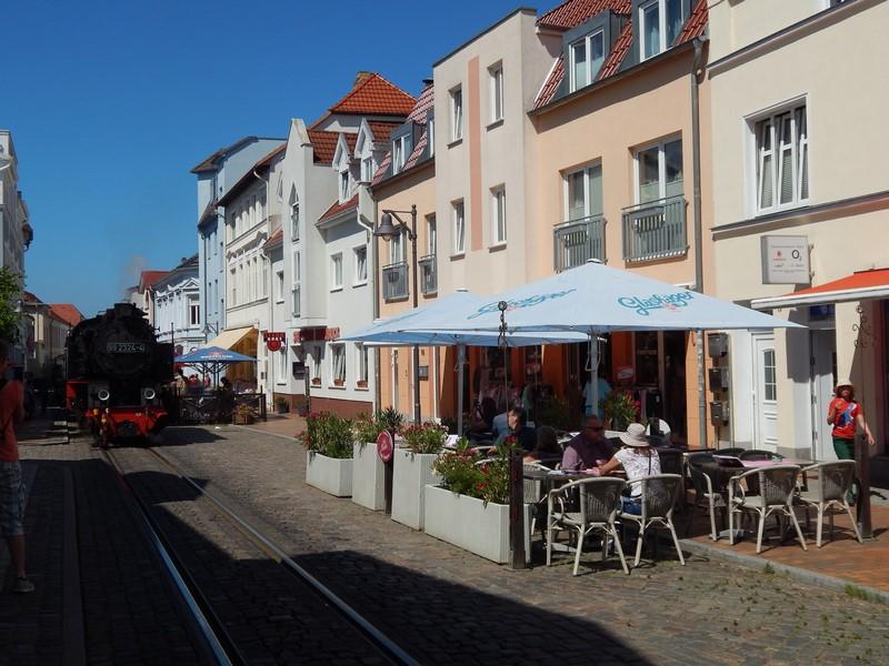 Een gezellige straat in Bad Doberan (Duitsland) (Foto: bazbo)