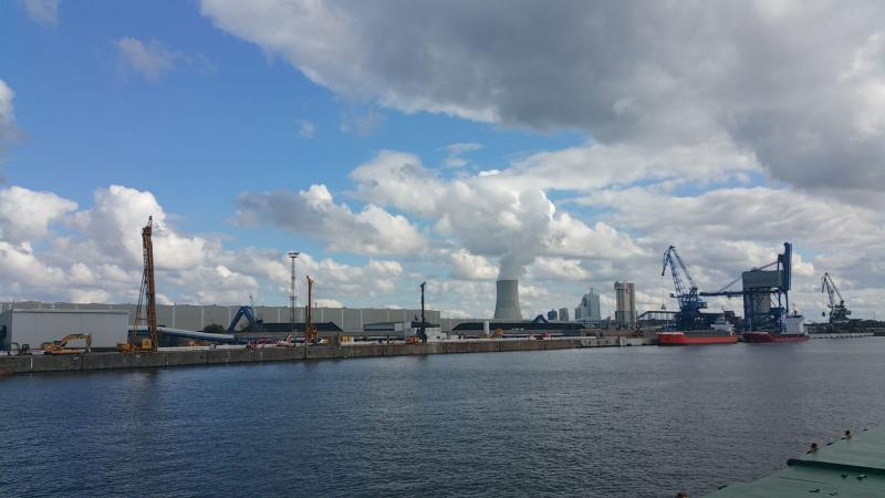 Wolken boven de haven van Rostock (Foto: Interpretatie)