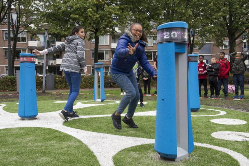 Interactief buitenspelen in Rotterdam (Foto: Gemeente Rotterdam / Jan van der Ploeg)