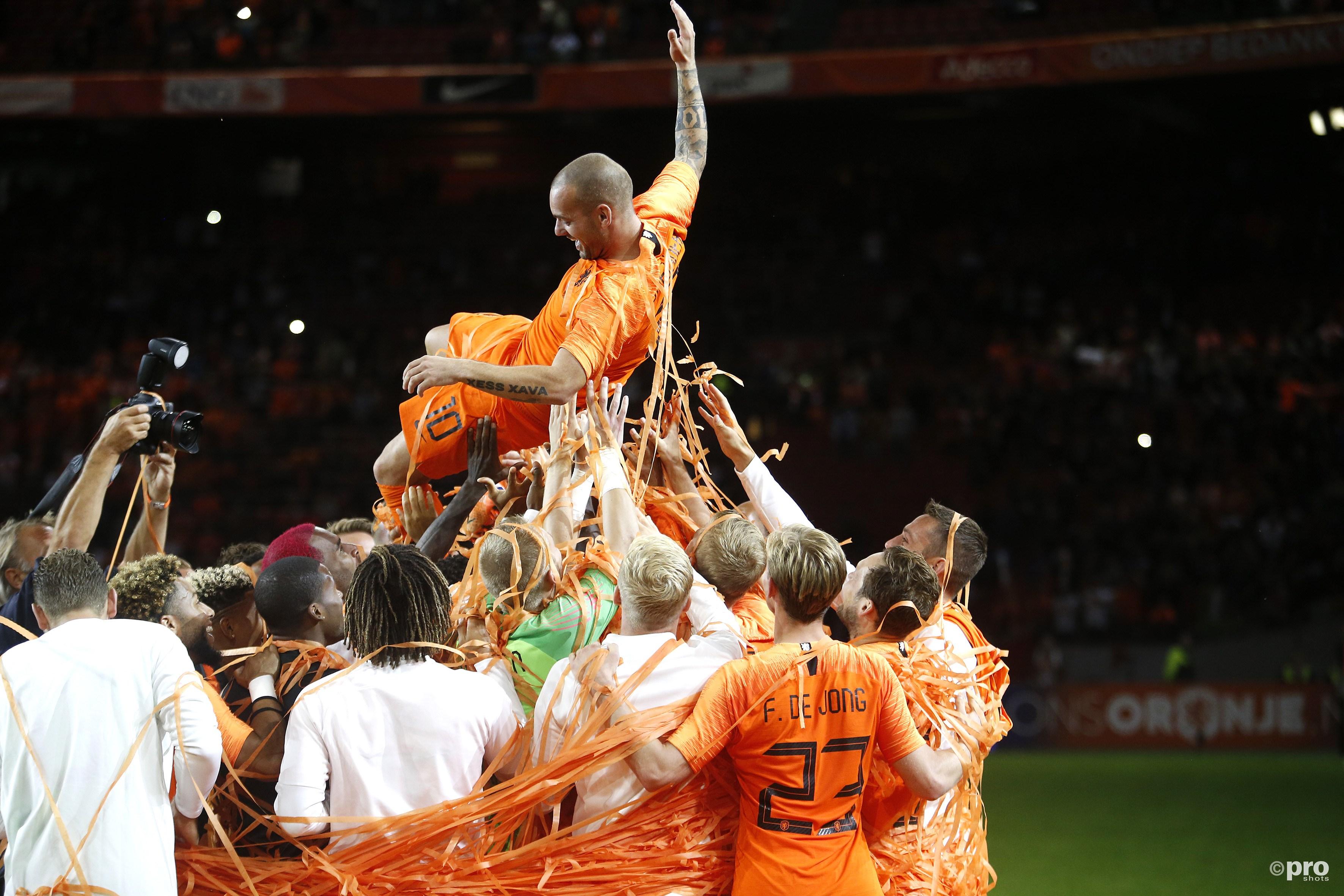 Sneijder wordt gehuldigd. (PRO SHOTS/Henk Jan Dijks)