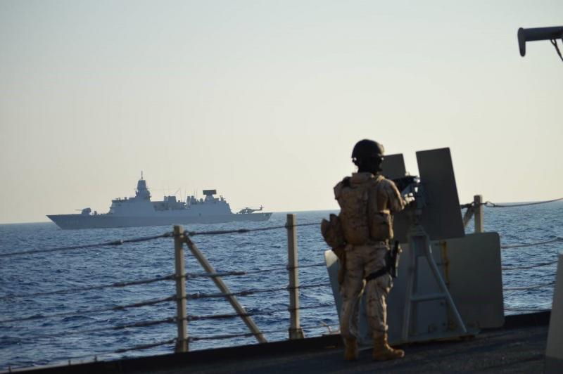 NAVO schaduwt Russische marine (Foto: Defensie)