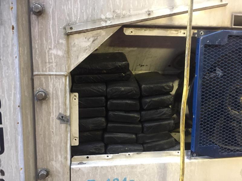 Douane vindt 62 kilo cocaïne tussen bananen en coquilles (Foto: Openbaar Ministerie)