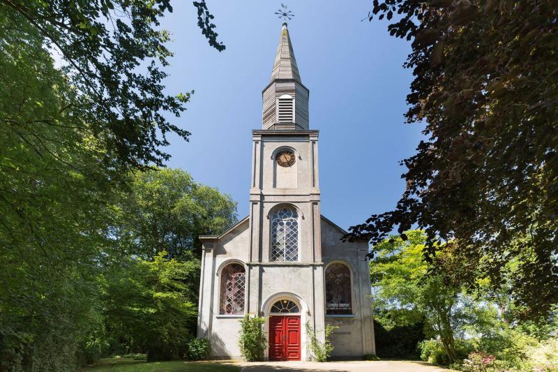 Kerk in Opmeer (Foto: Funda)
