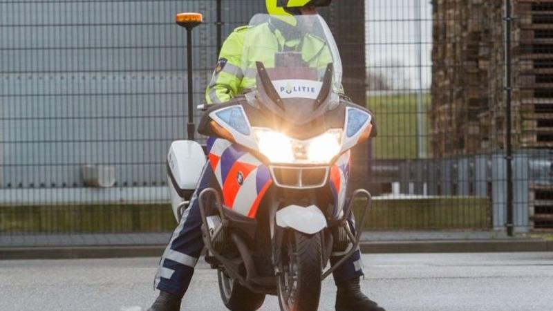 Dronken automobilist rijdt in op motoragent (Foto: stockfoto politie.nl)