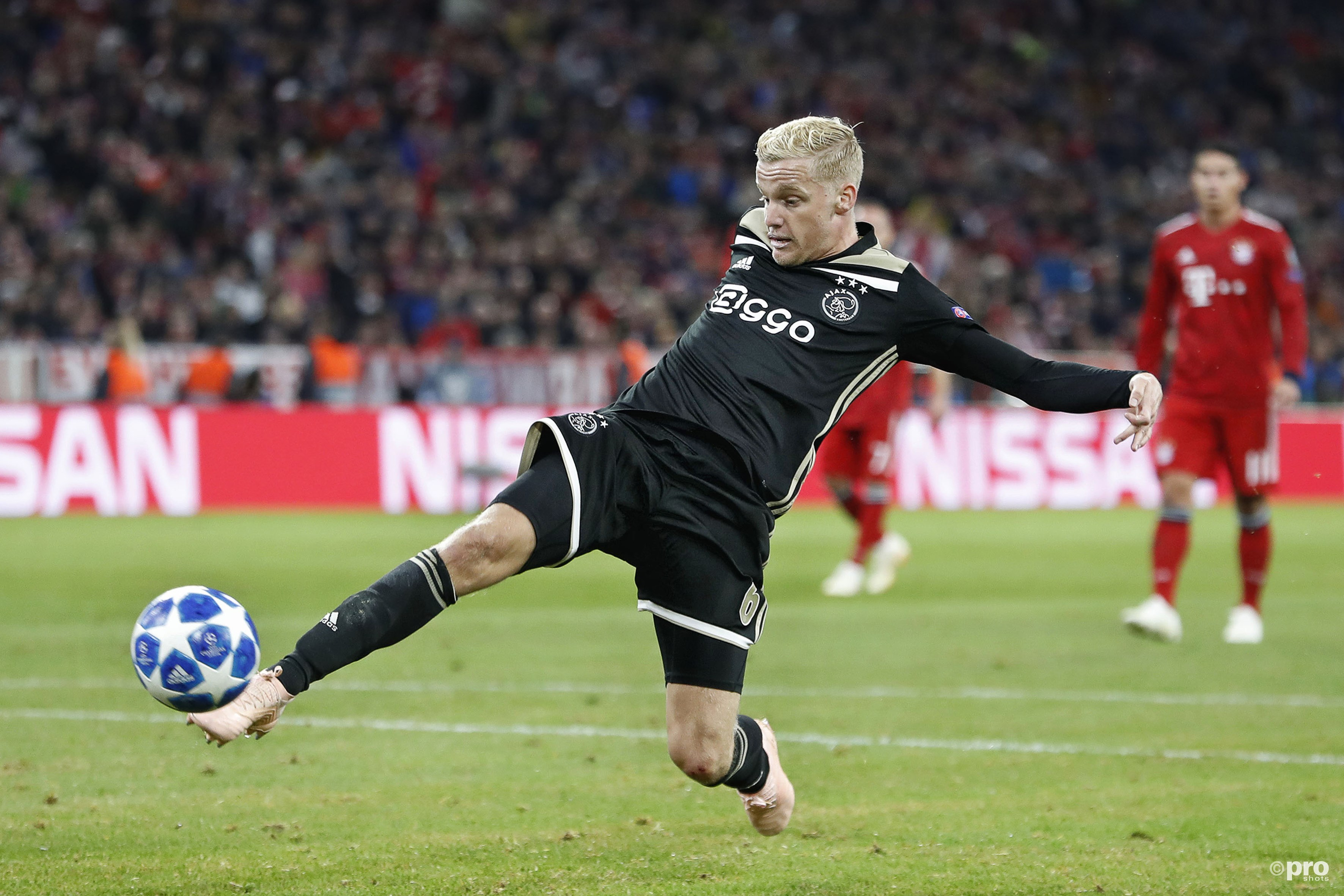Ajax neemt punt mee na mooi voetbalgevecht in München (Pro Shots / Stanley Gontha)