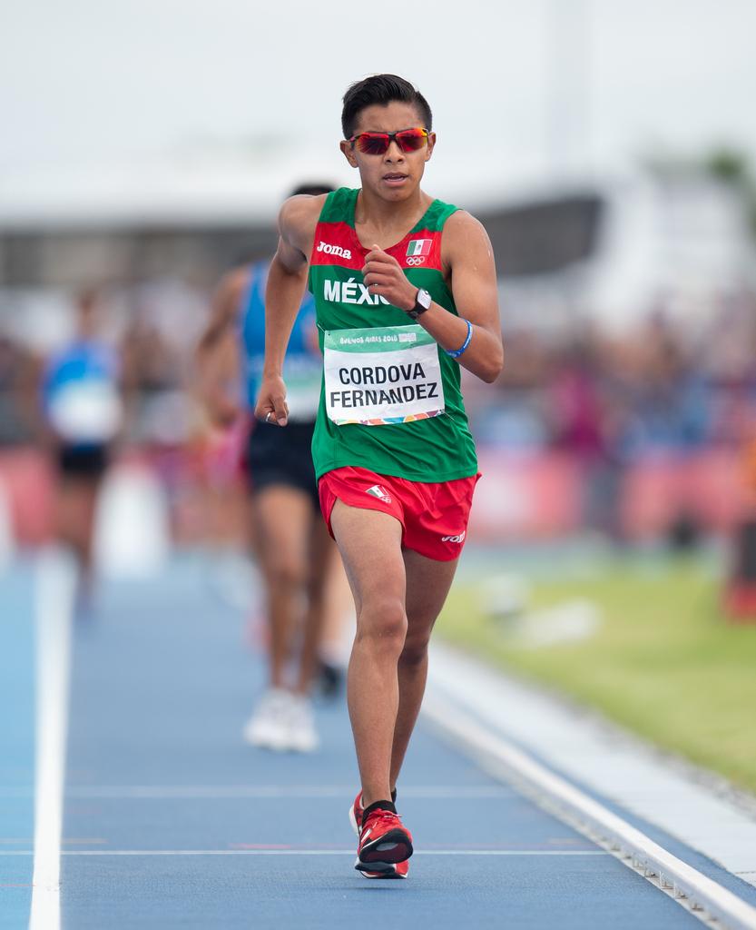 Met deze stap is niks mis, maar snelwandelaar Cesar Cordova Fernandez maakte het in zijn eindsprint toch wat te gortig (Joe Toth for OIS/IOC)