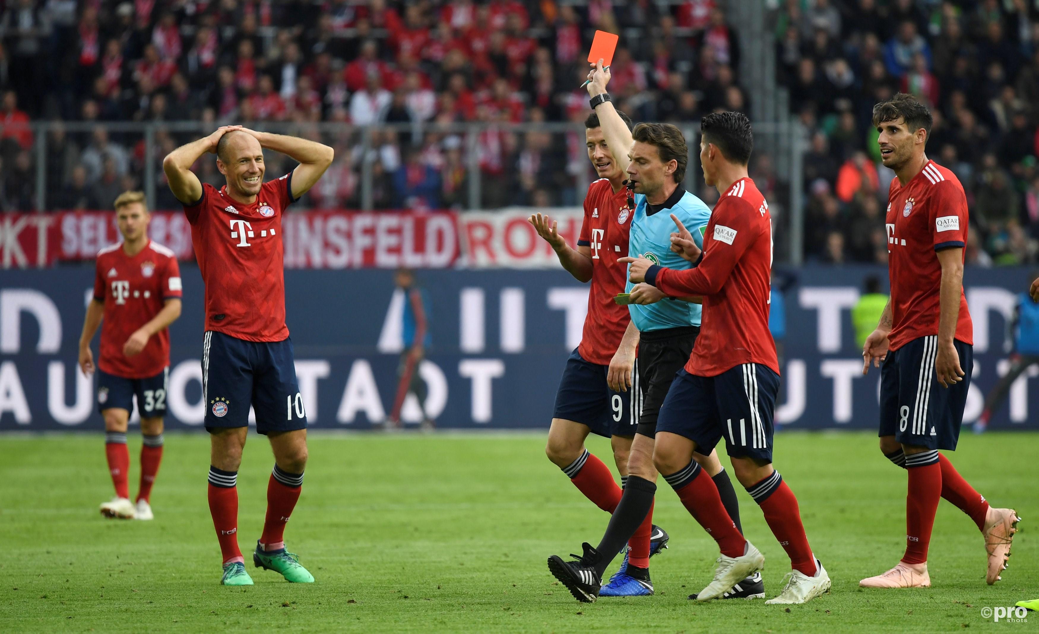 Robben krijgt rood. (PRO SHOTS/Action Images)