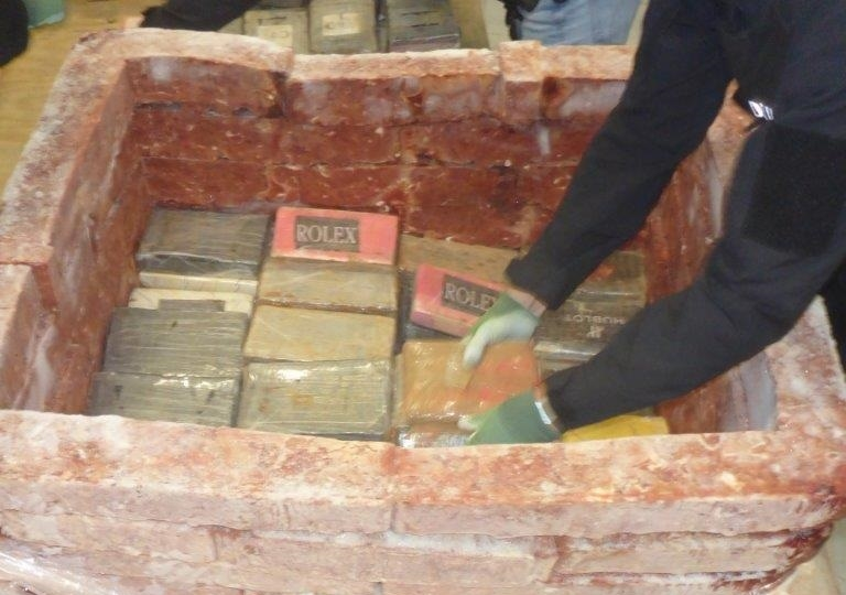 1300 kilo coke tussen kippenlevertjes (Foto: Openbaar Ministerie)