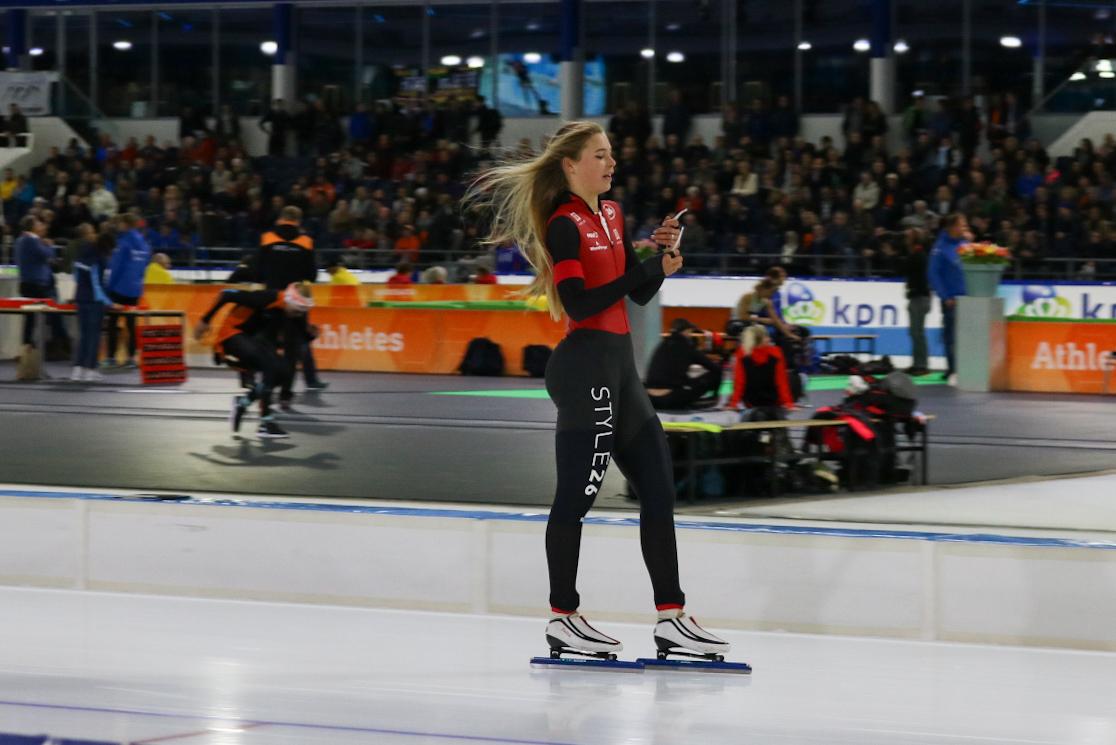Jutta Leerdam na haar zeer fraaie 1000 meter (Foto: dennistd)