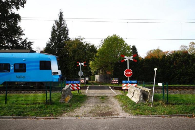 De bewuste spoorwegovergang in Lunteren  (Foto: ProRail)