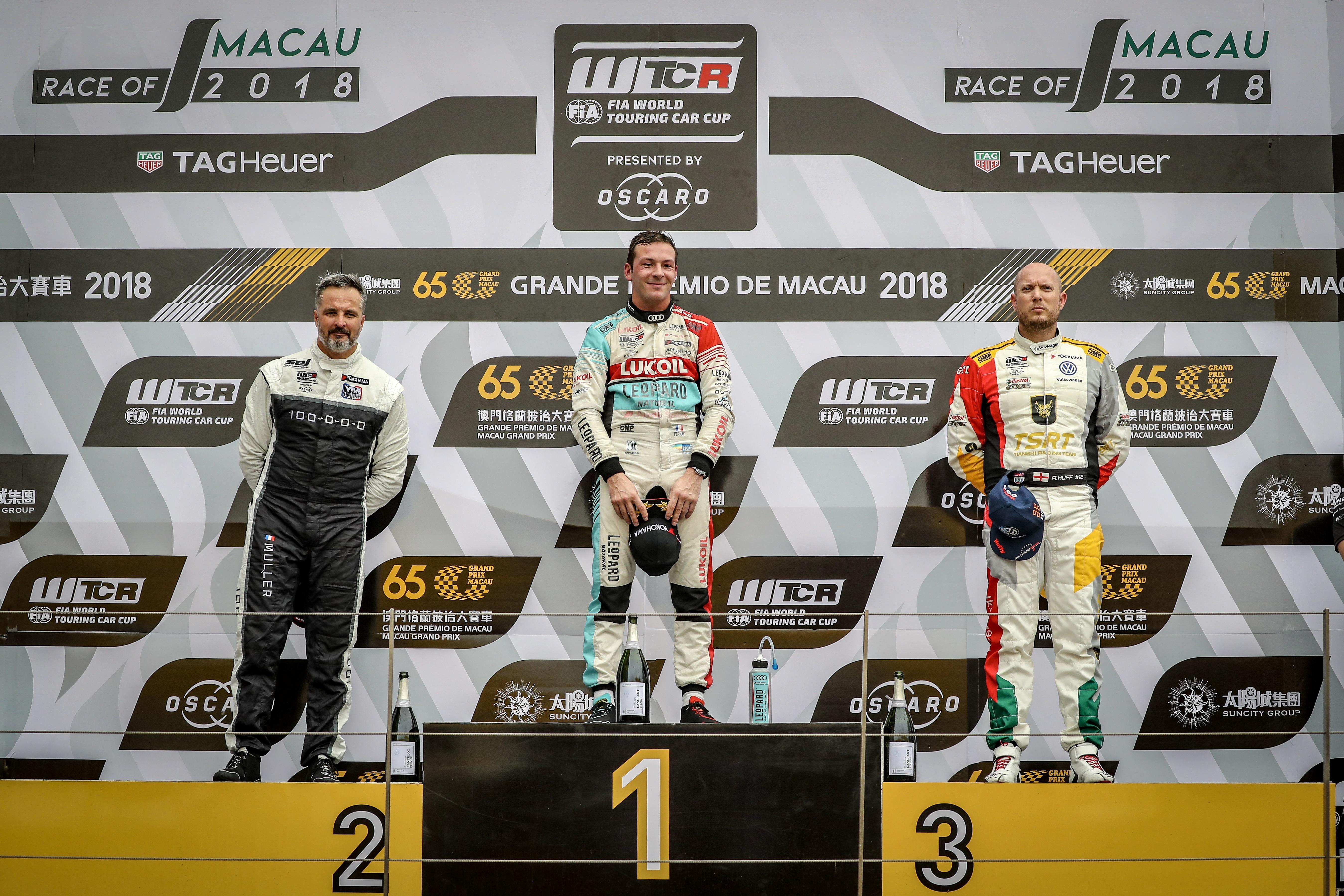 2018 FIA WTCR Macau - podium race 1