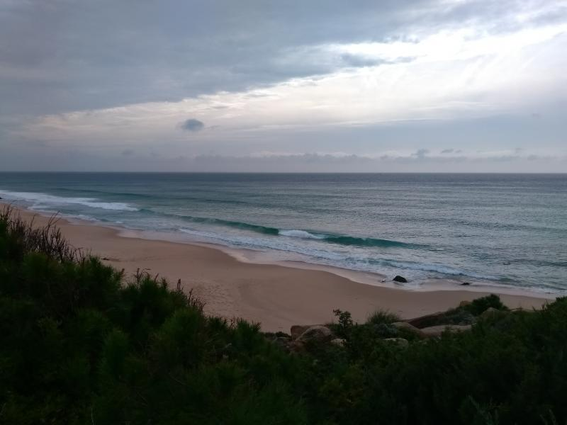 Kroezel reist verder door Spanje en was bij een sombere Playa de Canuela