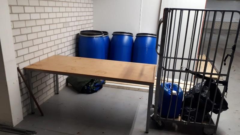 Omvangrijk drugslab ontdekt in bedrijfspand Bladel (Foto: Politie.nl)