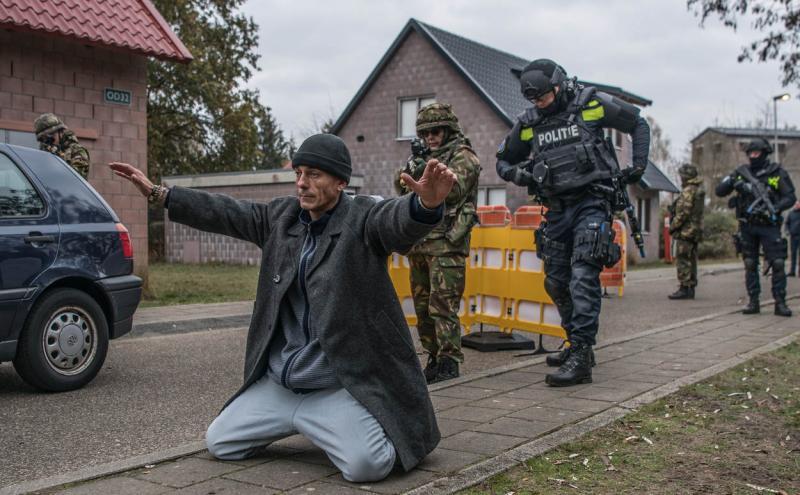 Militairen ondersteunen politie bij terreuroefening (Foto: Defensie.nl)