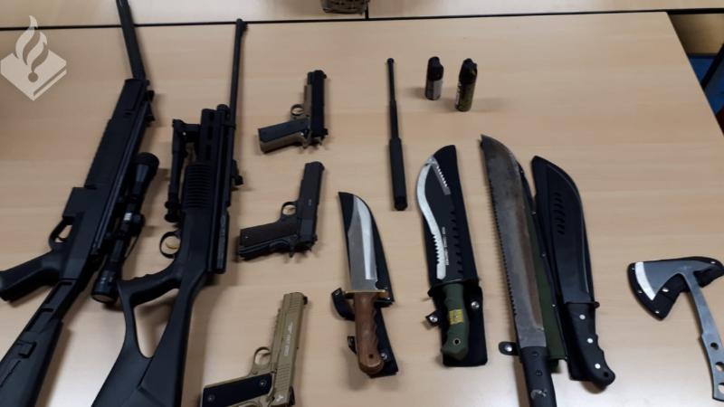 Politie neemt 175 kg illegaal vuurwerk en wapens in beslag (Foto: Politie.nl)
