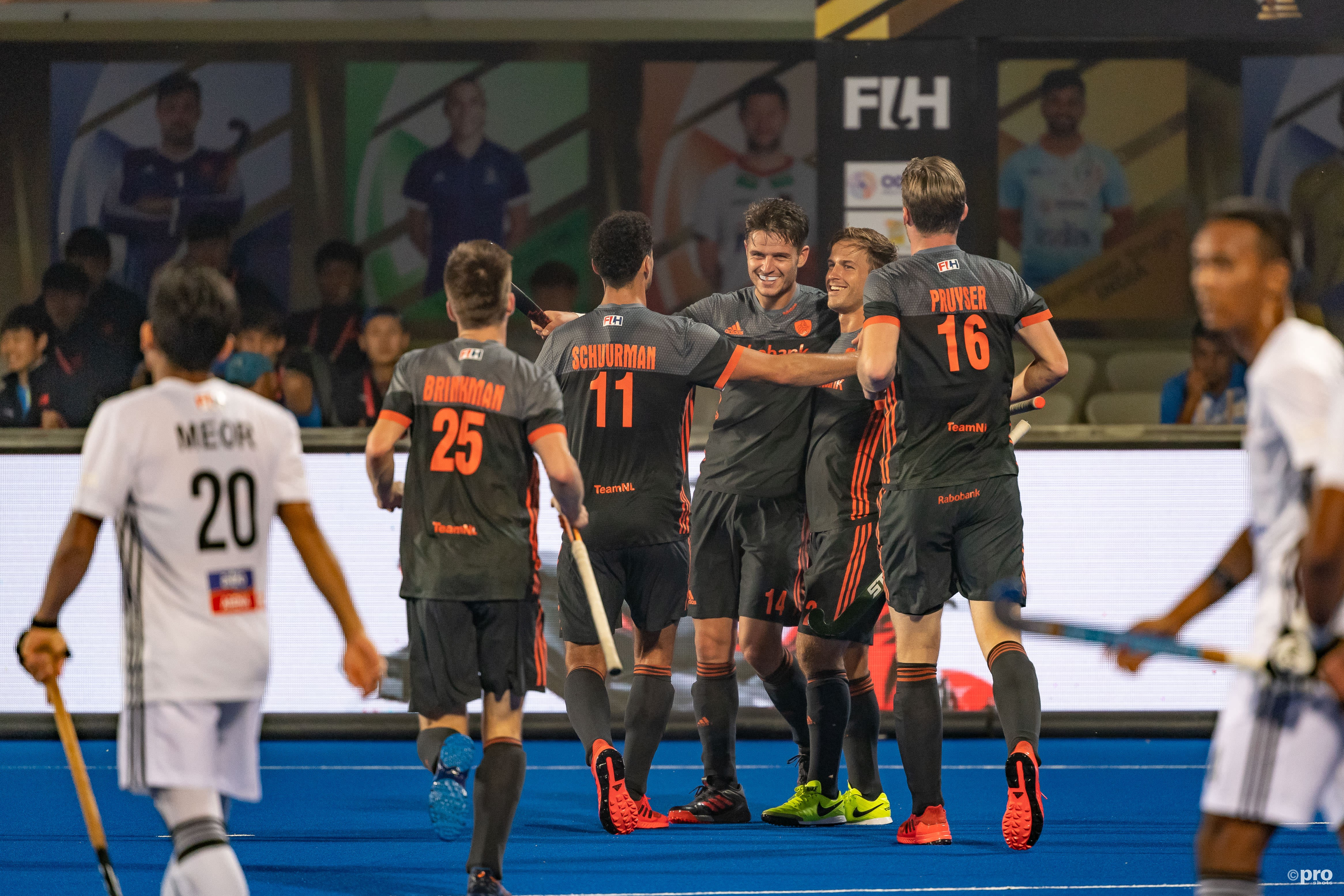Nederland start met een 7-0 zege op Maleisië. (PRO SHOTS/Bert Scheulderman)