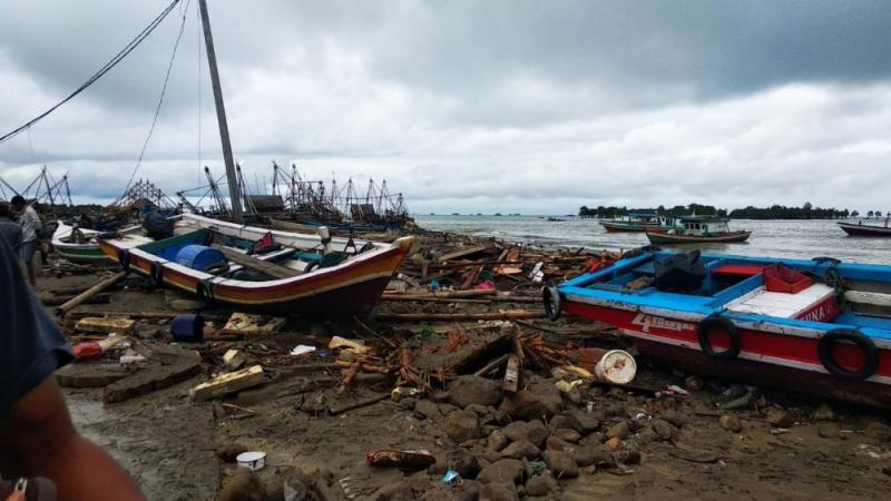 Rode Kruis staat slachtoffers van tsunami Indonesië bij (Foto: Red Cross International)