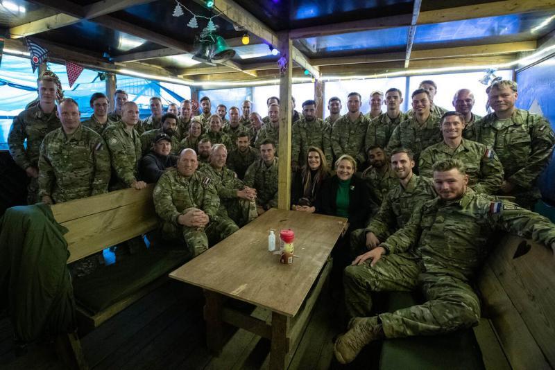 Bijleveld brengt kerstbezoek aan militairen in Irak (Foto Defensie)
