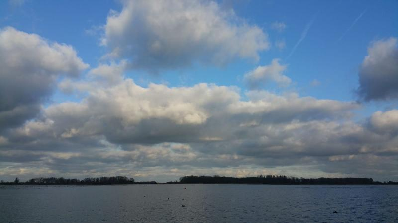 Wolken boven 't Twiske  (Foto: Interpretatie)