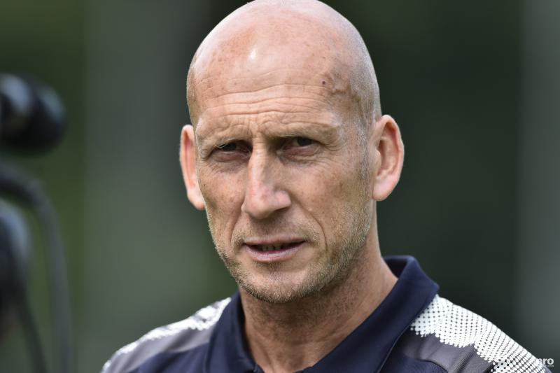 Jaap Stam vanmiddag gepresenteerd bij PEC Zwolle (Pro Shots / Paul Meima)