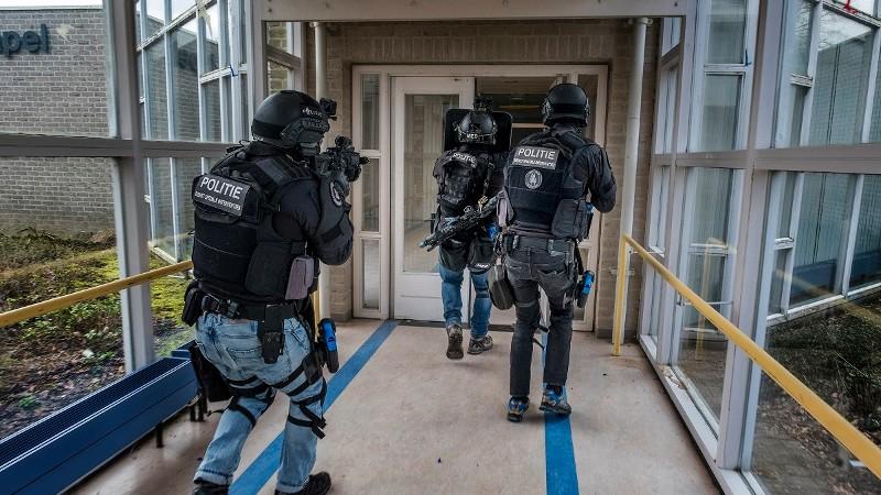 4 terroristen opgepakt in Rotterdam (Foto: Stockfoto politie.nl)