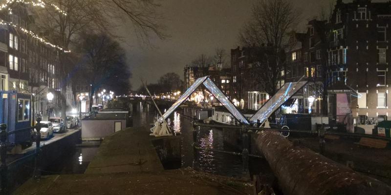 De Amsterdamse grachten in feestsferen  (Foto: DJMO)