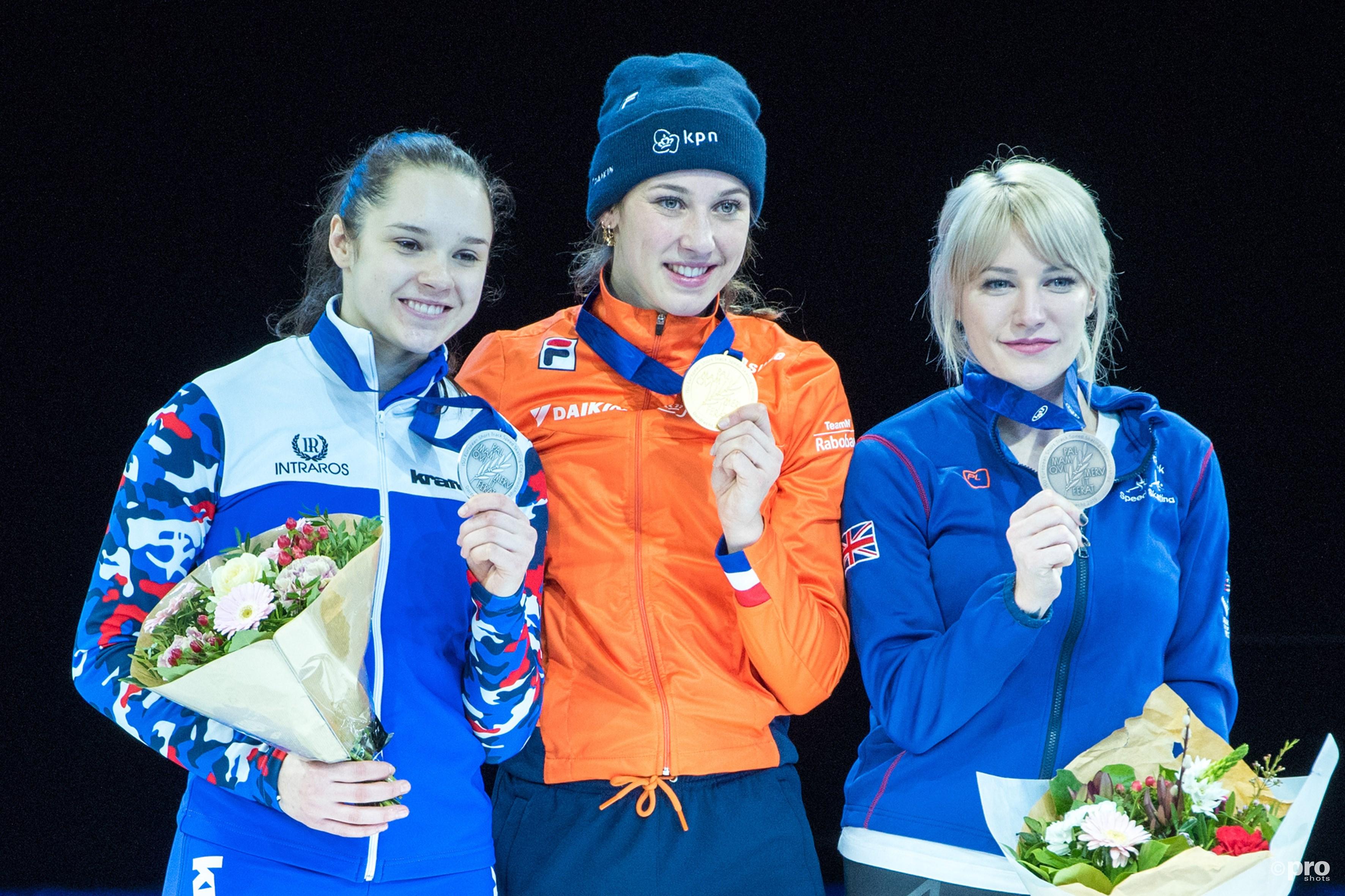 De eerste Europese titel voor Suzanne Schulting. (PRO SHOTS/Ankie Hogewind)
