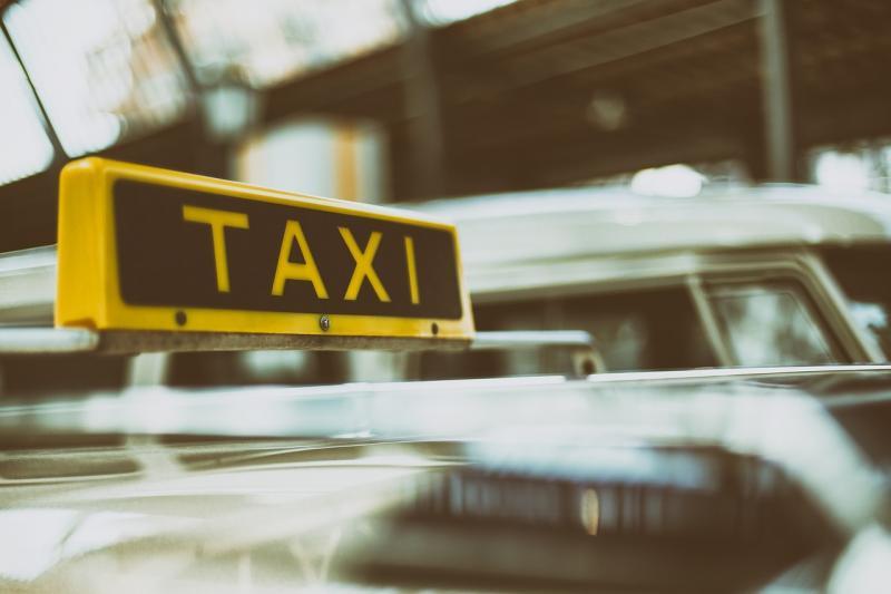 Stel dat chauffeur beroofde belt opnieuw om ritje en wordt opgepakt (Foto ter illustratie ©Pixabay)