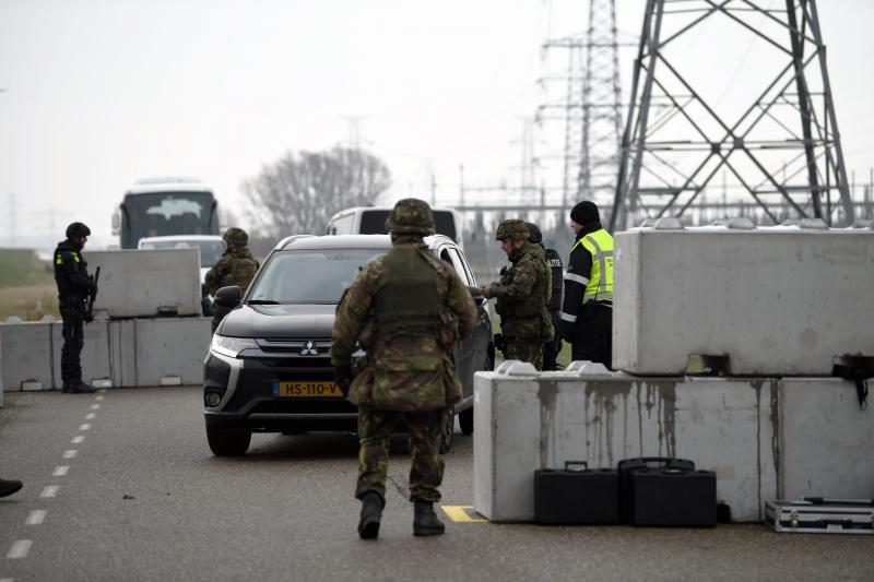 Landmacht oefent bewaking kerncentrale Borssele (Foto: Defensie)