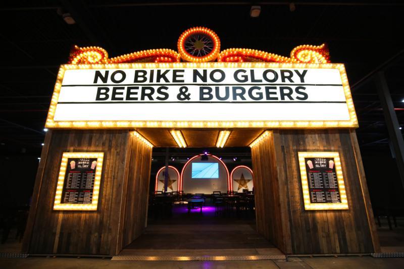 Biker zoekt babe (Foto: MOTORbeurs)