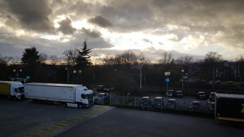 Opklaringen bij een parkeerplaats (Foto: Iteejer)
