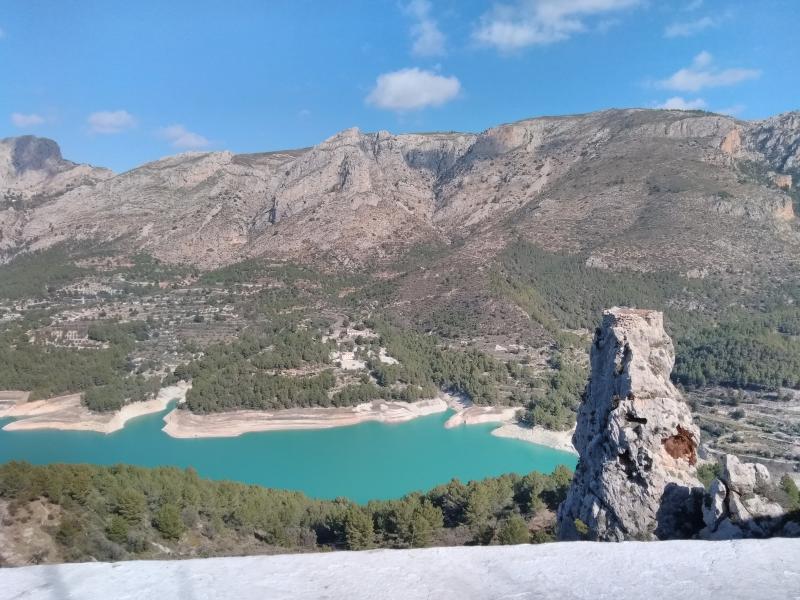 Dit is een stuwmeer bij Guadalest, Spanje.  (Foto: Kroezel)