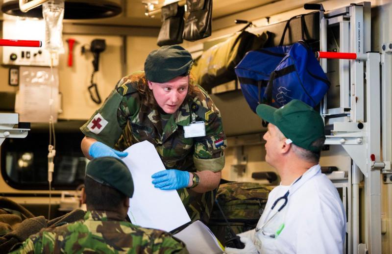 Luchtmacht en Tilburgs ziekenhuis gaan personeel uitwisselen (Archieffoto Defensie)