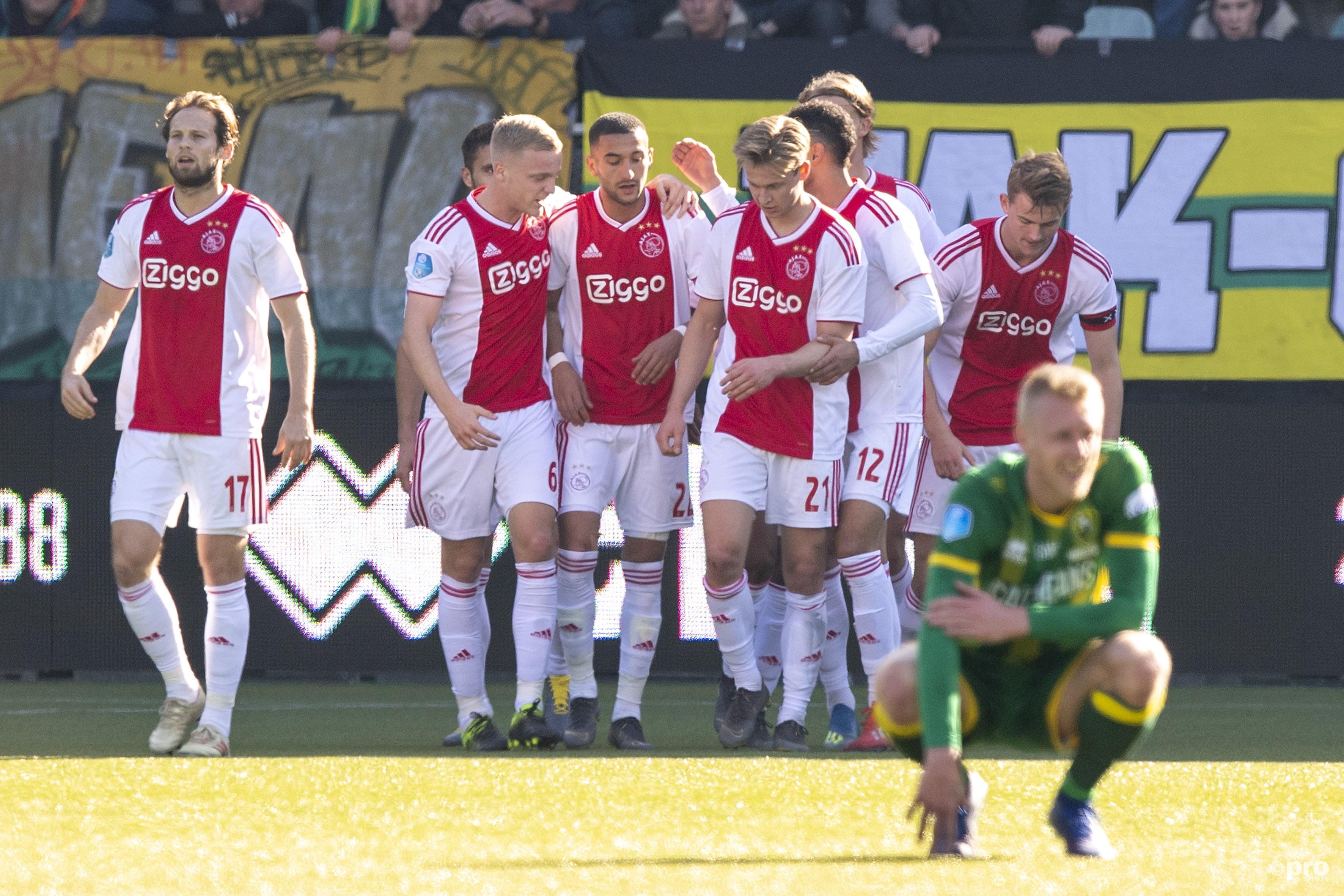 Ajax wint in Den Haag. (PRO SHOTS/Jasper Ruhe)